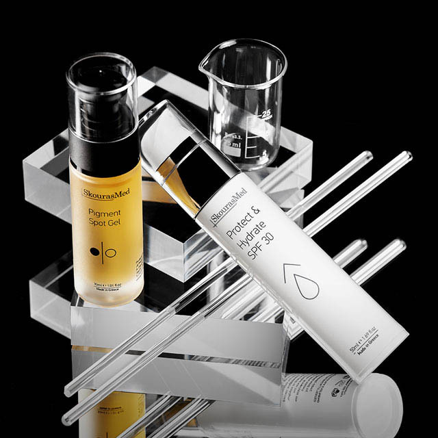 https://www.skourasmed.com/SkourasMed Cosmetic: Discoloration balance & protection in black background